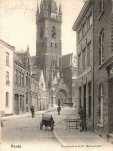 Kleine Kerkstraat met Martinuskerk